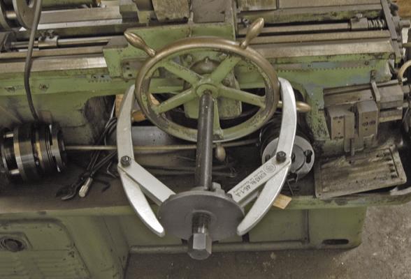 Cảo cơ khí kết hợp 2 và 3 chấu KUKKO 46-1-A độ mở 300mm