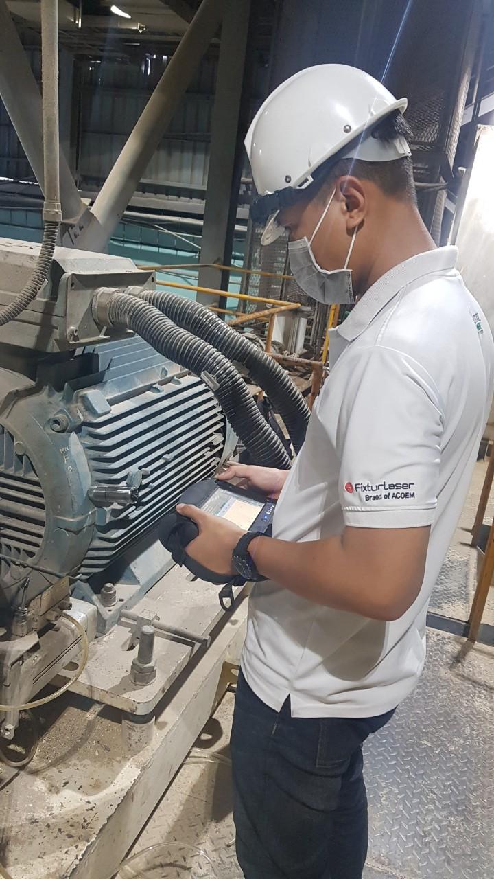 Kỹ sư phân tích máy trong dịch Covid-19Kỹ sư phân tích máy trong dịch Covid-19