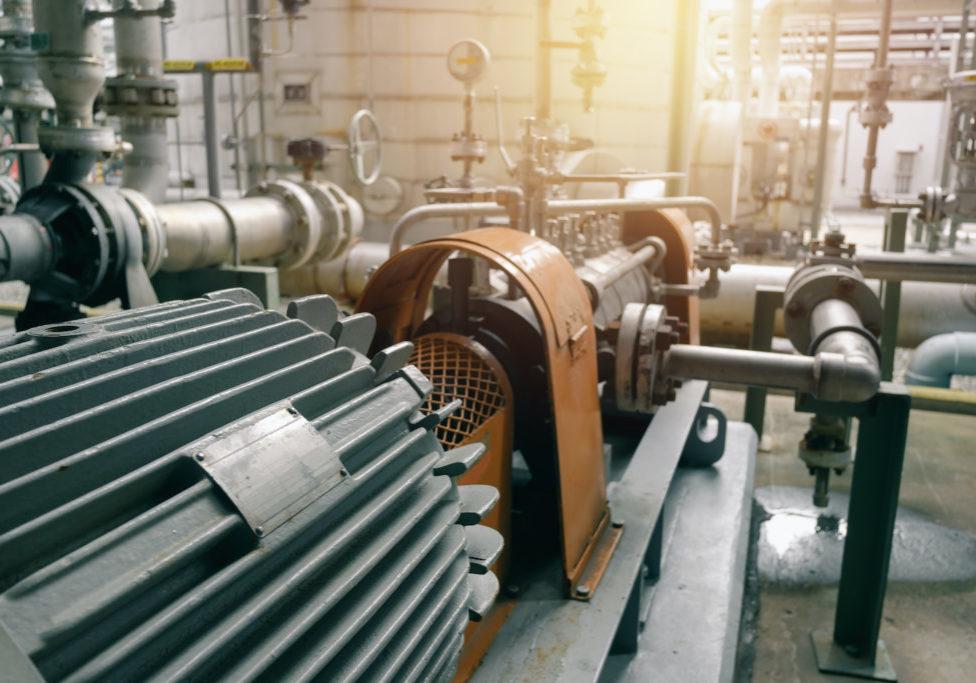Kiểm tra trước khi kích hoạt động cơ, máy móc và dây chuyền sản xuất.