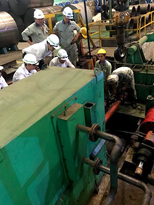 Cân đồng tâm trục tại nhà máy tôn